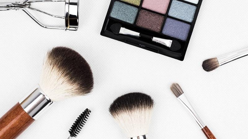 Happy Days w Hebe z promocją do -40% na wybrane marki! A z kuponem CCC marki L'Oréal i Maybelline aż -50%!