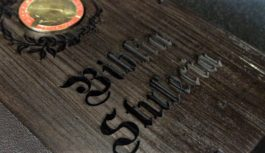 Biblia Stulecia z numizmatem z okazji 100-lecia urodzin JPII!